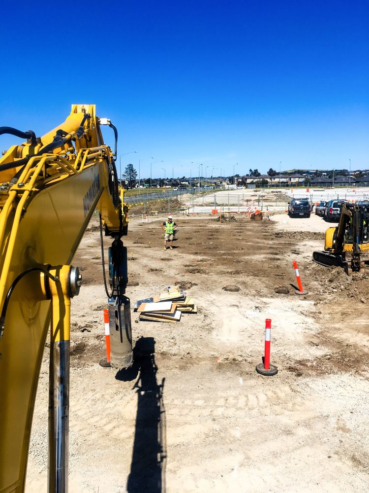 IMG_E2771-e1539746554379 - laino excavations - melbourne - victoria - rock drilling - bored piers - mobile crushing